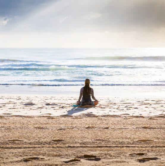 Ejercicios De Meditación En La Playa